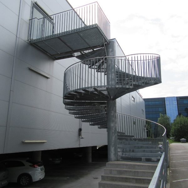 20000.6 - Dig spiral staircase